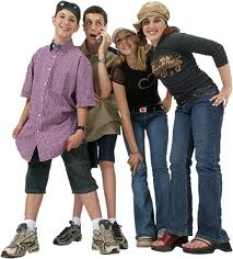 4 Teens standing together
